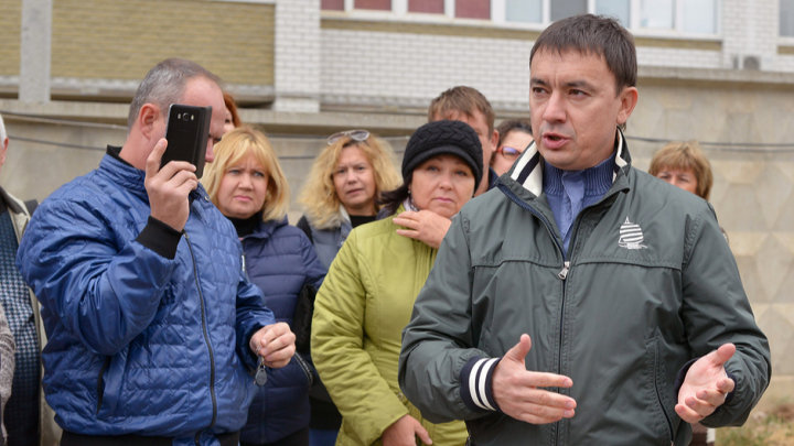 За «Адмиралтейский» и «Династию»: разбазарившего деньги дольщиков Александра Набатчикова отправили под суд