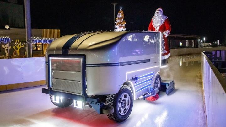 Новогоднюю ночь волгоградцы смогут встретить на катке в пойме Царицы. Без концерта, но с Дедом Морозом