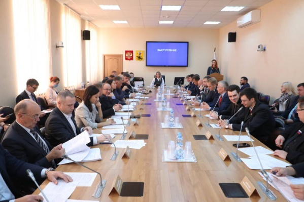 Депутаты выберут градоначальника только в конце октября
