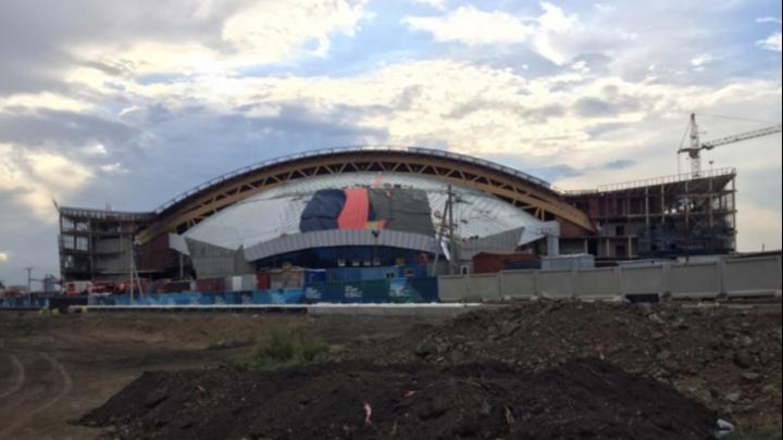 Очередное ЧП в Ледовом дворце «Кузбасс»: с высоты упал рабочий