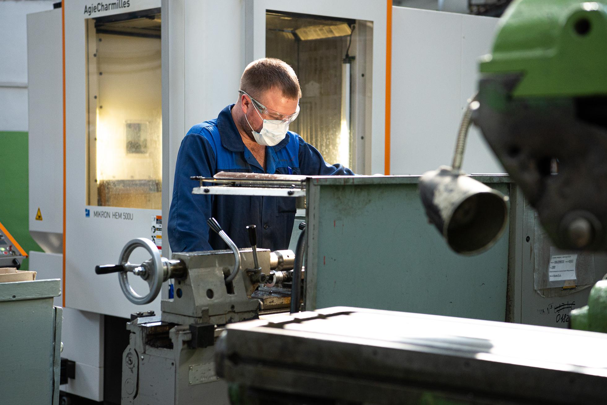 Линейный персонал — сотрудники, задействованные непосредственно на производстве, — с головой погружаются в обучение