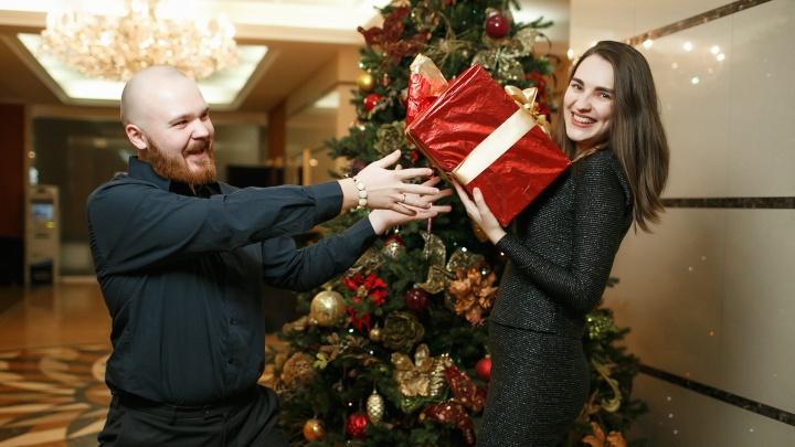 Открыты продажи билетов на счастливый новогодний рейс — кто их продает и что ждет новосибирцев
