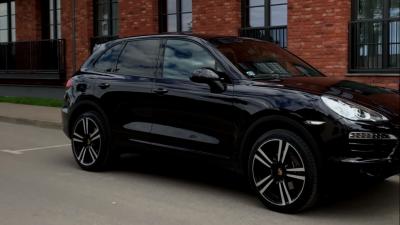 У нижегородца забрали Porsche Cayenne за долги в 7 миллионов рублей