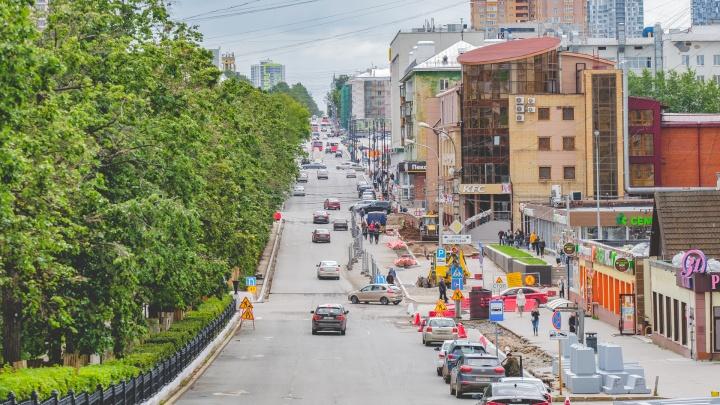 Глава Перми назвал одну из причин расширения тротуаров на Компросе: для летних кафе