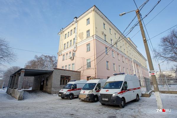 По словам чиновников, мест в больницах Челябинска и региона на сегодня достаточно