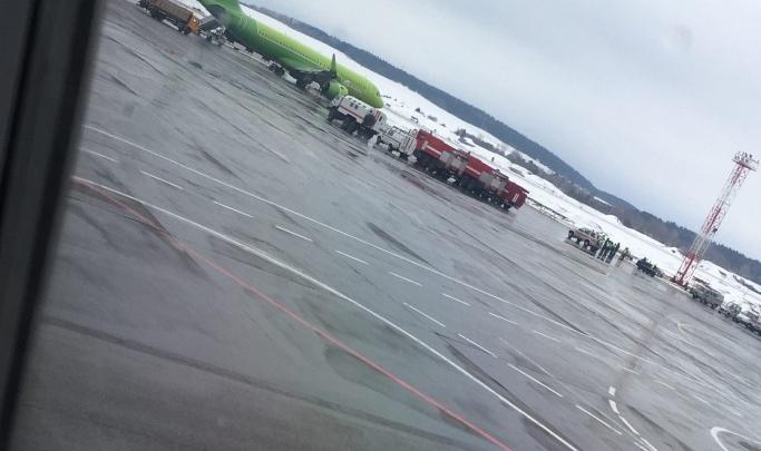 Анонимы второй день сажают самолеты по всей России сообщениями о «бомбах»