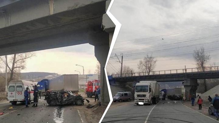 Отбросило от фуры на грузовик: подробности смертельного ДТП в Самарской области