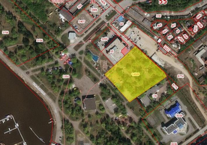 На смежном участке слева находится медицинский центр «Евромед»