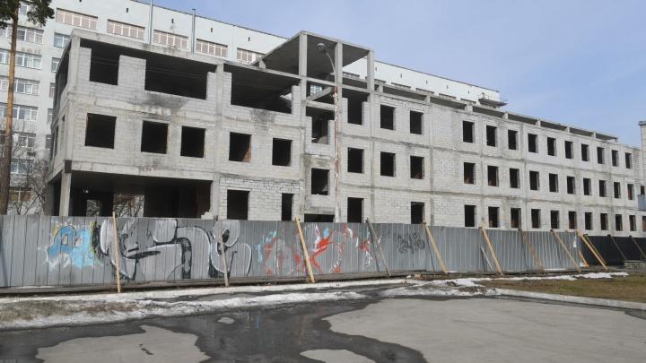 Цена вопроса — более 2 миллиардов: для недостроя в Медгородке вновь ищут инвестора