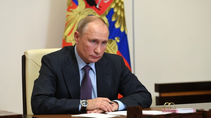 Путин попросил десантника, потерявшего ноги в Омске, вместо прыжков с парашютом заняться детьми