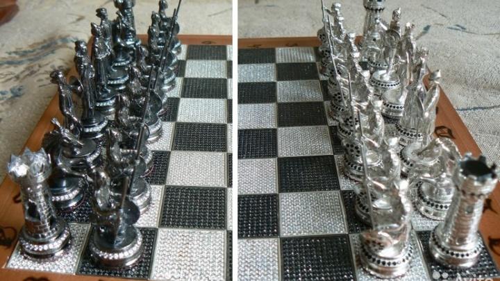 «Обмен на недвижимость на Чёрном море»: подборка самых дорогих шахмат в Омске