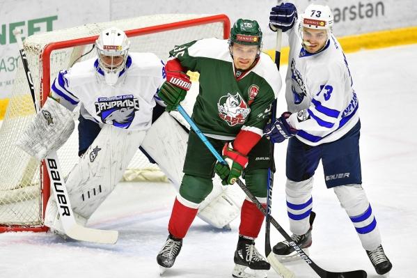 Курганские хоккеисты в матче с «Барсом» пропустили три шайбы