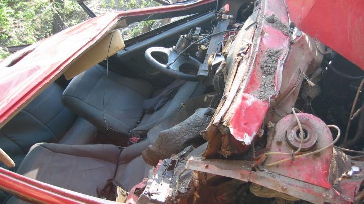 Двое мужчин чудом выжили в страшной аварии в Волгоградской области
