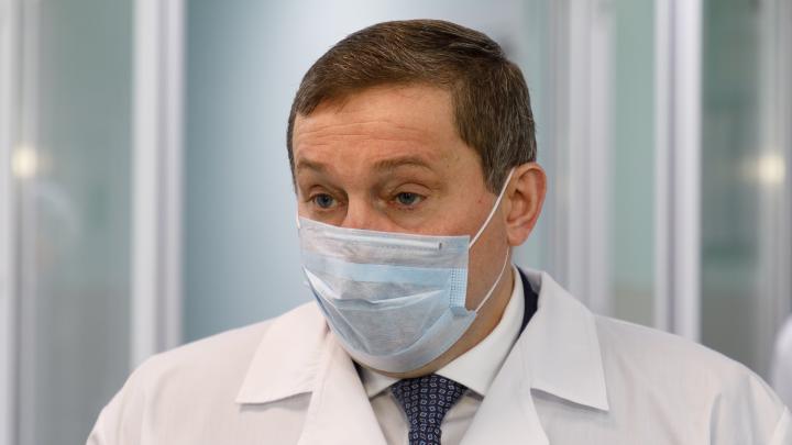 Масочный режим сохраняется: Путин привлёк волгоградского губернатора к оценке ситуации с коронавирусом