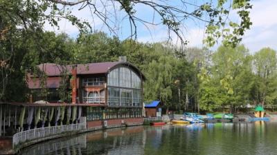 С видом на гору или у воды: 11 кафе с верандой, где можно укрыться от жары в Уфе