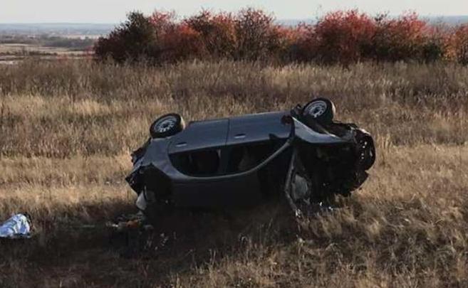 В Самарской области водитель с пассажирами перевернулся в кювете и сбежал с места ДТП