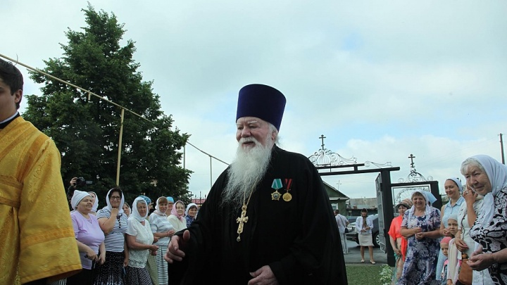 В Челябинской области от пневмонии умер известный настоятель храма