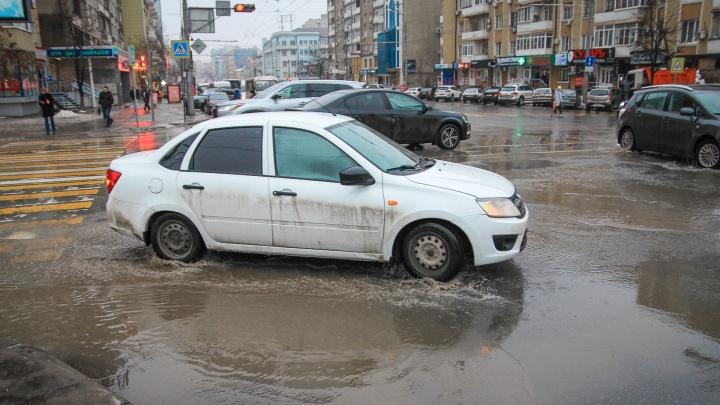 В Ростове отремонтируют ливневки за 65 миллионов рублей. Где именно — загадка