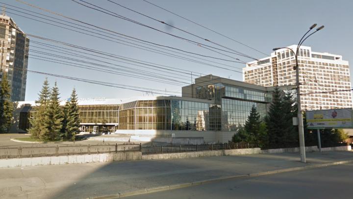 Банк «Открытие» избавляется от своего главного офиса в Новосибирске