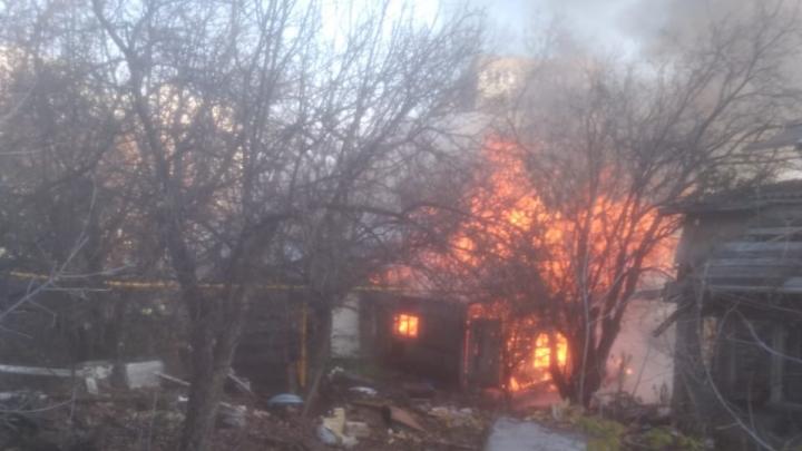 В центре Уфы сгорел частный дом. Местные жители предупреждали администрацию, что это может случиться