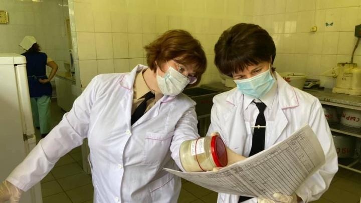 Нижегородский Роспотребнадзор закрыл столовую в школе, где отравились сразу шесть детей