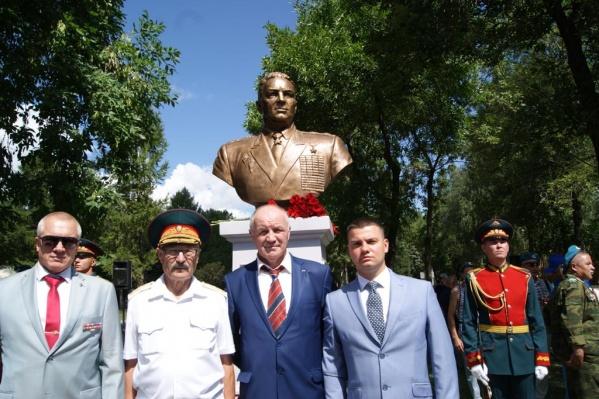 Монумент установили к 90-летию ВДВ