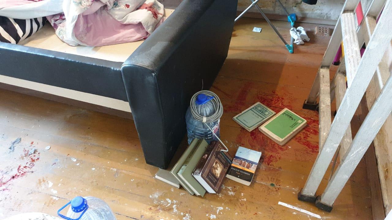 Хозяин квартиры внезапно решил расстрелять всех гостей