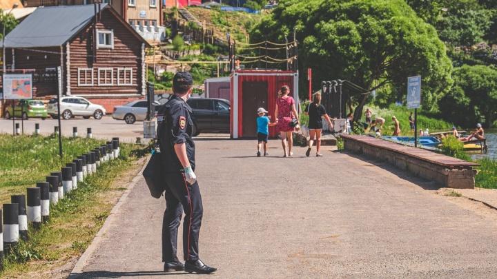 «Идёте по улице один — можете быть без маски» и другие тезисы с брифинга Минздрава Прикамья