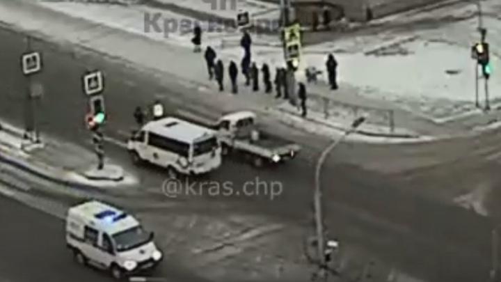 Водитель сбил ребенка, вышедшего на дорогу на красный сигнал светофора