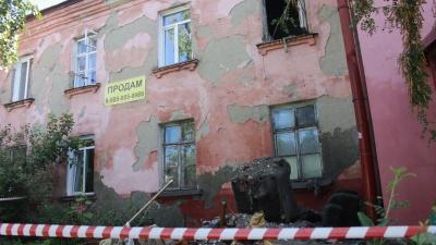 «Я туда не вернусь»: репортаж из дома с рухнувшей крышей — кто погиб и что теперь делать людям