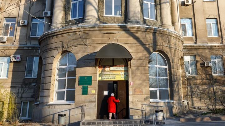 «Он вовремя обратился к врачам»: что известно о втором умершем от коронавируса в Волгограде
