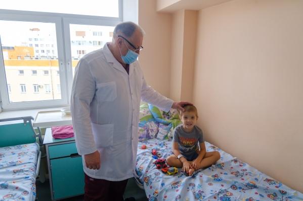Саша попал в областную больницу на скорой — врачи подозревали у него внутреннее кровотечение