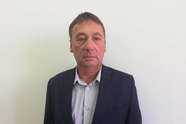 Игорь Романов — инженер-механик по образованию