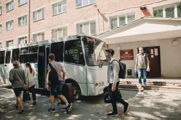 Студентов на автобусах вывезли в обсерватор