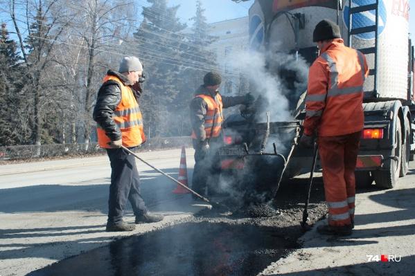 Информацию о нарушениях при ремонте и содержании дорог в Челябинске теперь должны публиковать каждый день
