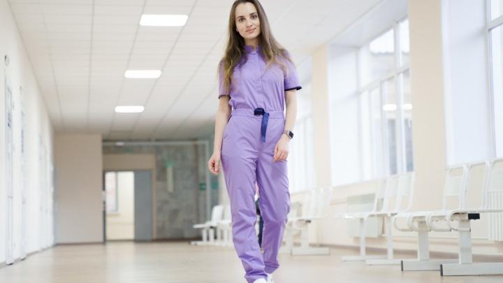 Они могли бы ходить по подиуму, но спасают пациентов. Cмотрим фото медиков-красоток, работающих с COVID-19