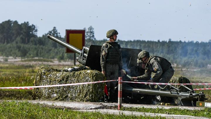 Танки, истребители и открытый огонь: фоторепортаж с открытия военно-технического форума «Армия-2020»