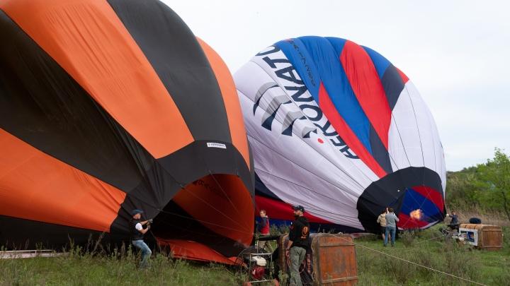 Над центром Волгограда покружили воздушные шары с портретами маршалов: смотрим фото с земли и с воздуха