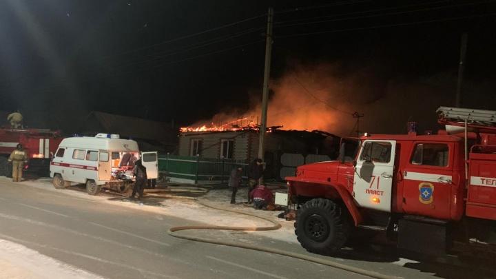 После гибели семьи с ребенком на пожаре в Челябинской области возбудили уголовное дело