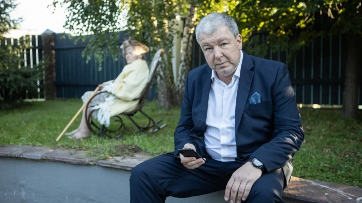 «Спать удавалось только в поездах»: актер Александр Робак— о нашумевших сериалах и уральском прошлом