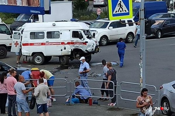 Авария произошла на пересечении улиц Воровского и Курчатова