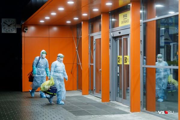 Каждый день в ярославских лабораториях делают сотни анализов на коронавирус