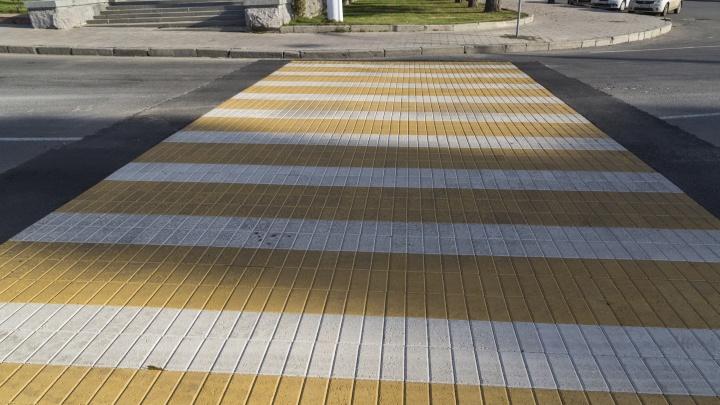Волгоградцы не нашли выхода с пешеходного перехода