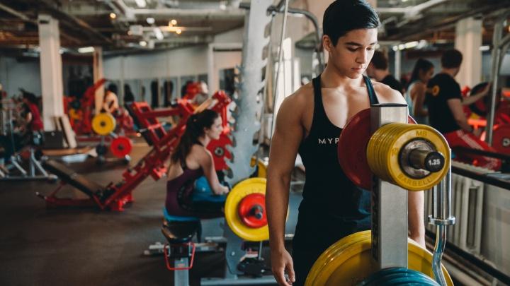 Новые правила для фитнес-клубов и карантин у студентов-медиков. Всё о COVID-19 в Тюменской области