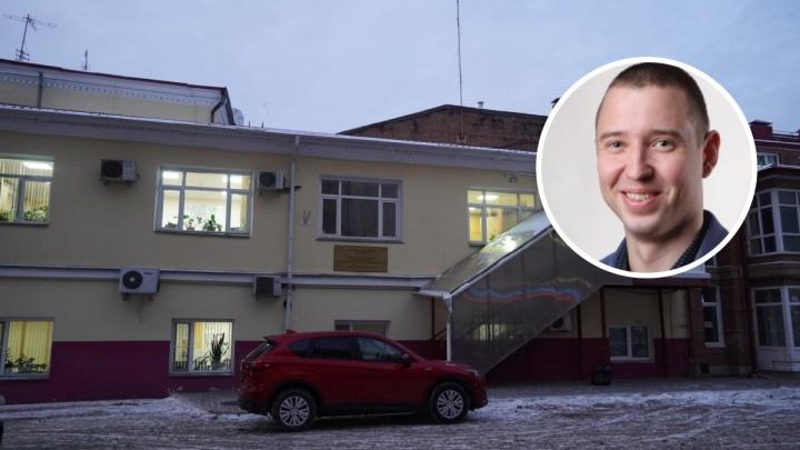 Силовики опрашивают чиновника, который курировал омские госзакупки в сфере медицины