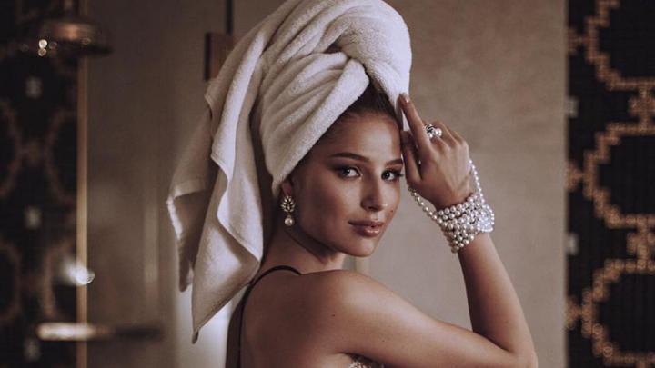О красоте, отношениях и заточении дома: «Мисс Россия» в прямом эфире отвечает на вопросы тюменцев