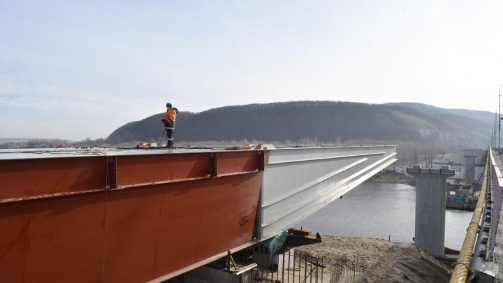 В Самарской области реконструкцию моста через реку Сок планируют завершить почти на год раньше срока