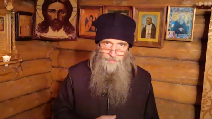 «Это сатанизм! Выкинули меня»: священник храма на Эльмаше впервые прокомментировал свое изгнание