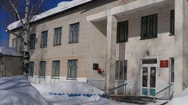 Главврачу Яренской больницы объявили предостережение из-за отказа «Технопарку» в медкомиссии
