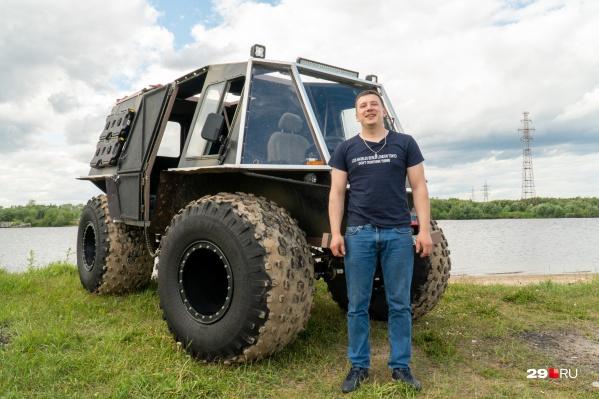 Вездеходы Артёма колесят топи и болота по всей Архангельской области